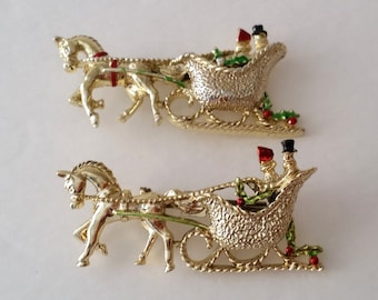 Amazing Vintage Gerry's Gold Tone Enamel Christmas Sleigh Horse Pin Brooch 2 Pieces Lot. NEW! Old Stock.