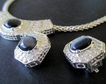 NECKLACE And EARRING SET * Silvertone With Gray Cabochon Stones * Vintage Roman