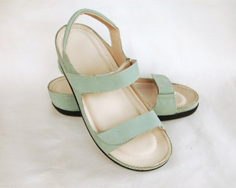 Leather shoes, comfortable sandal in light green, biocomfort footbed, biolife sandals, comfortable shoes, insole with leather, upper leather