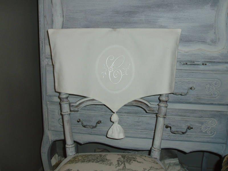 housse de dossier de chaise en linge ancien monogramme en. Black Bedroom Furniture Sets. Home Design Ideas