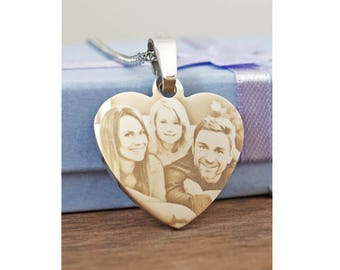 Heart necklace with photo engraving // You can choose your own photo and text // A perfect gift idea for a woman // Stainless steel.