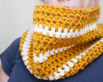 READY TO SHIP: Chunky Gold and Cream Crochet Cowl Mustard Yellow Infinity Scarf Crochet Scarf Mustard Neck Warmer White Striped Cowl Unisex