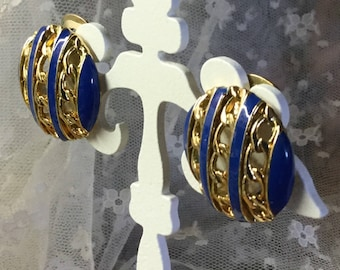 Royal Blue Enamel Gold Tone Chain Patterned Earrings Clip On Unsigned Chanel Style 1980's Feminine Day Wear Career Wear Round Circular