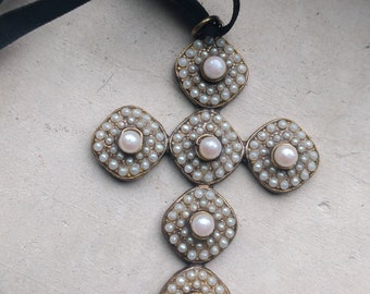 Alcozer Pearl and Bronze Pendant