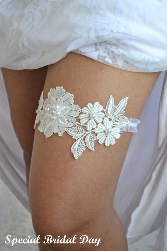 Bridal garter wedding garter set ivory lace garter wedding junglespirit Image collections