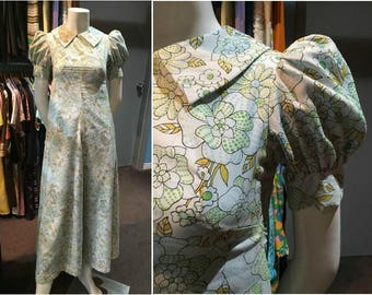 Vintage 1970s Floral Maxi Dress with Puffy Sleeves and Collar Detail - Size 3/4