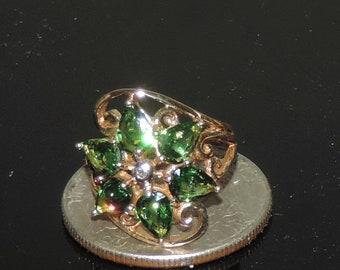 Vintage Estate 9K Yellow Gold Tsavorite Garnet Diamond Chip Ring 3.44 Grams 2.40 cts Size 3.5