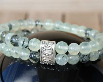 Bracelet with prehnite beads