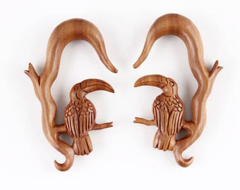 Toucan Wood Hanging Plugs - Hanger Bird Plugs - Carved wood toucan plugs - A066
