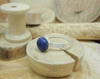 """La bague """"Cabochon"""" lapis lazuli"""