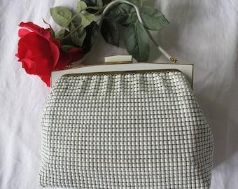 White GLOMESH Metal Mesh BAG Hand Vintage Purse Retro Classic VGUC Gold trim Pocket book Purse Chain top handle