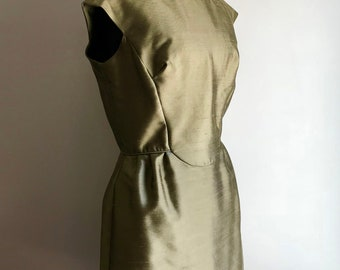 Vintage Elegant Green Silk Evening or Cocktail Dress