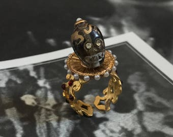 Memento Mori 22K Gold Plated Clear Gray Skull Ring with Elizabethan Pearl Ruff and Red Crystals Adjustable