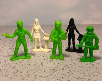 TIM MEE TOYS 1970 vintage mixed lot space patrol galaxy laser team Timmee miniature action figures sci fi science fiction alien monster 3