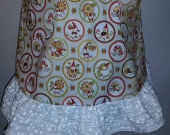 Garden Gnome short apron