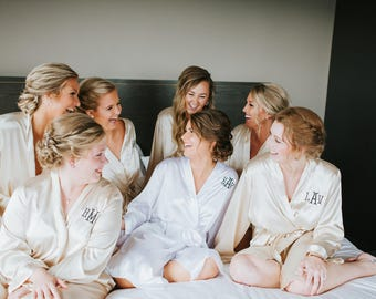 CHAMPAGNE SATIN ROBES - Silk Robes - Satin Bridesmaid Robes - Bachelorette Party Robes - Getting Ready Robes - Silk Robes for Bridesmaids