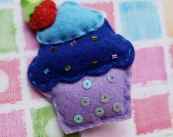 Felt Cupcake Hairclip in Blue/Pink