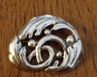 Vintage Sterling Silver Pendant or Pin