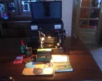 Sewing machine weight Singer featherweight 221 k (Featherweight)