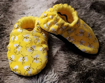 Yellow Bees Soft Sole Shoes - Buzzy Bees with Sparkly Silver Wings - Moccasins - Moccs - Spring Shoes - gift - baby shower - newborn booties