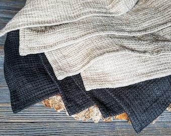 Soft waffle linen kitchen towel, washed linen tea towel, organic grey black towel, waffle pattern towel, gray linen towel, vegan towel