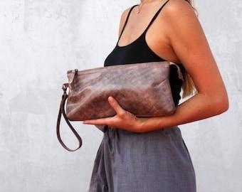 Leather clutch bag, clutch purse with zipper, leather clutch bag with a pocket, evening clutch bag, brown leather bag, wristlet clutch