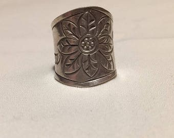 Adjustable flower embossed sterling silver ring