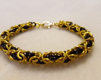 Simple Byzantine Chainmaille Bracelet