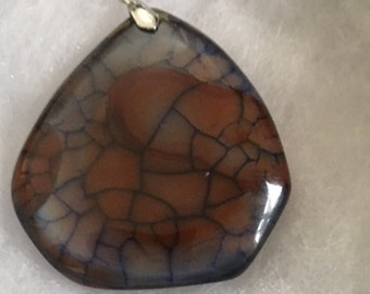 Brown and black dragon vein agate pendant