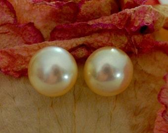 Angela - ivory pearl stud earrings, freshwater pearl earrings, pearl earrings, gift idea for her, birthstone jewelry, birthday gift, jewelry