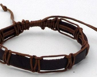 Adjustable bracelet for men or teen in genuine leather