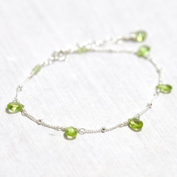 Peridot Bracelet in Silver, Weddings, August Birthday Gift, August birthstone Jewelry, Peridot Jewelry, Wife Gift