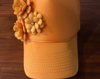Yellow Trucker hat with flower details