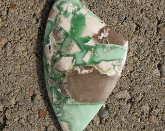 Exceptional Variscite cabochon with natural green, white and taupe nodules. 30 x 53 mm. High polish green stone.  166L0001