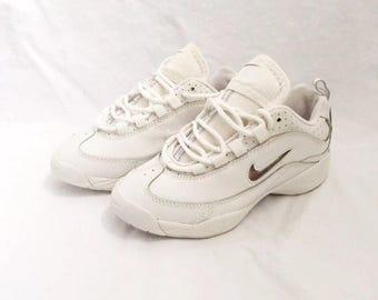 vintage womens the nike spirit II cheerleader shoes womens size 5 deadstock NIB 1998