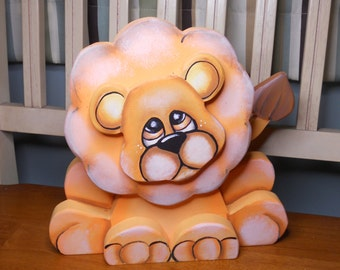 Adorable hand painted Lion woodcraft zoo animals