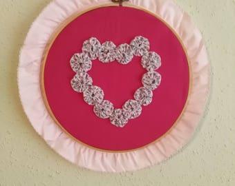 Yo-yo Valentine wall hanging