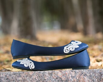 Wedding Flats,Navy Blue Bridal Ballet Flats,Wedding Shoe,Navy Flats,Blue Satin Flat,Bride,Shower,Gift,Low Flat Wedding Shoes with Ivory Lace