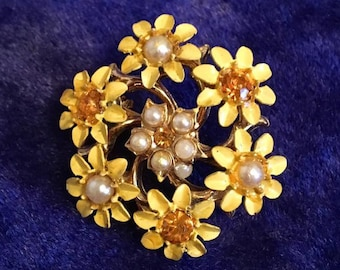 Vintage 1960s Yellow Daisy Brooch Pin 60s Mid Century Flower Pin with Pearls n Rhinestones