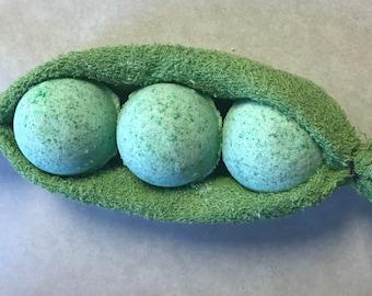 Peas in a Pod Bath Bomb