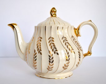 James Sadler and Sons Ltd. gold and white floral teapot c. 1937-47+ in excellent condition