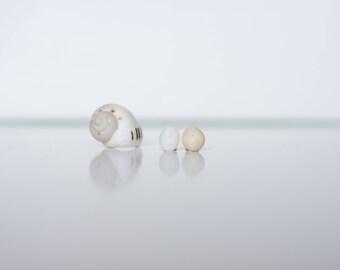 Round pebble stud earrings, Beach stone earrings, Tiny beach pebble earrings,Portuguese pebble earrings, Mismatch stud earrings