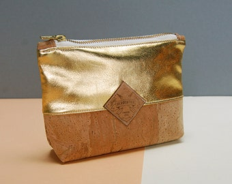 cork clutch, vegan cosmetic bag, golden bag, vegan, corkskin, golden clutch, minimal clutch, mkeupbag vegan