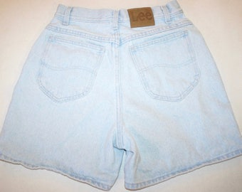 VINTAGE! Women's Lee High Waisted Light Wash Blue Jean Denim Shorts Size 10