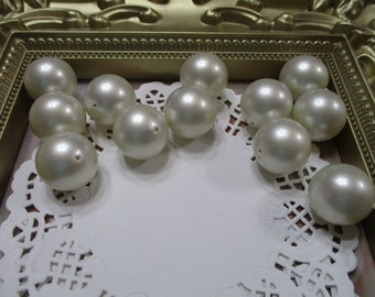 Vintage 20mm Round Bridal White Beads-Costume-Old Stock-Made in Japan