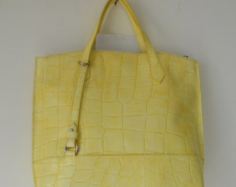 shopping along in yellow coconut