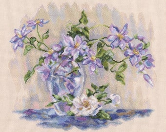 NEW UNOPENED Russian Counted Cross Stitch kit RTO M550 Purple clematis Flowers