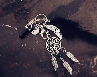 Vintage feather keychain