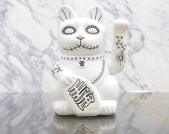 Maneki Neko / Lucky Cat / Waving Cat – White Day of the Dead