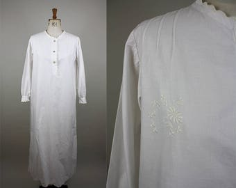 Edwardian Cotton Nightgown / Victorian Nightdress / Hand Embroidery / Full Length Nightgown / Scalloped Edge / Size Medium / S M